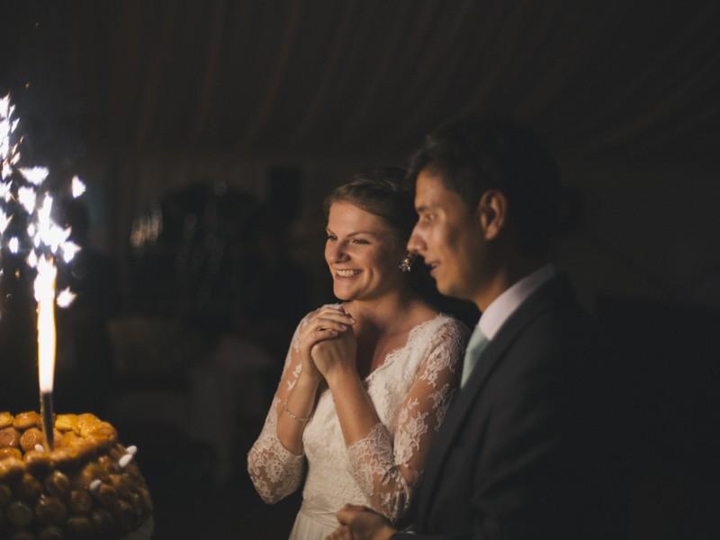 Mariés bonheur pièce montée